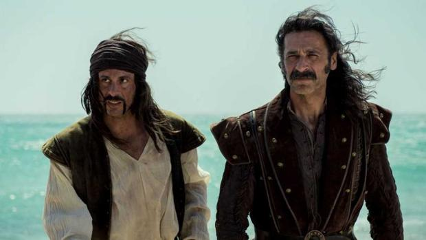 Los agentes Pacino y Alonso, recién aterrizados a principios del siglo XVI (ABC)