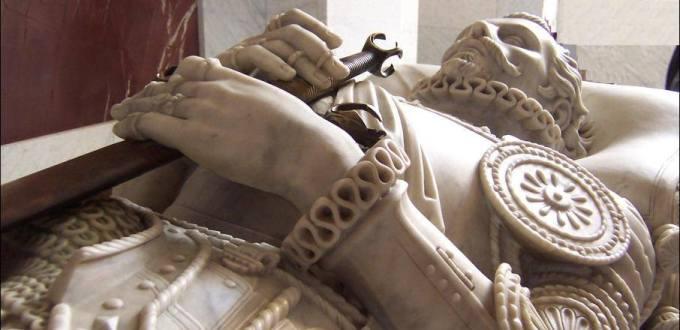 Detalle de la tumba de don Juan de Austria en el monasterio del Escorial (El Camino Español)